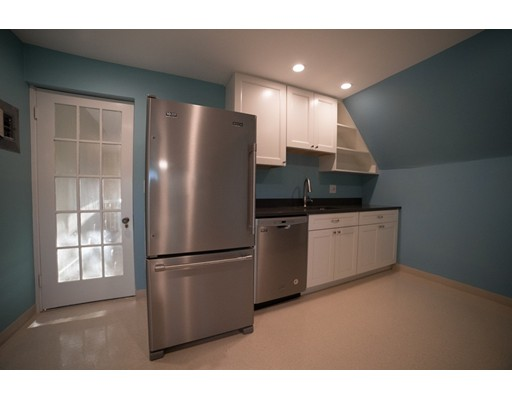 24 WEST CENTRAL Street, Natick, Ma 01760