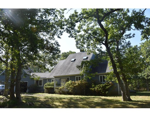 12 Iron Hill Road, Oak Bluffs, MA