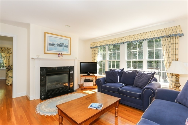 44 Osterville West BARNSTABL Barnstable MA 02655