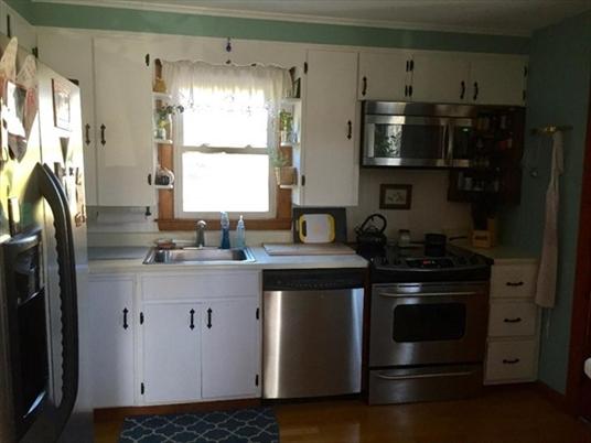 403 Log Plain Rd, Greenfield, MA: $240,000