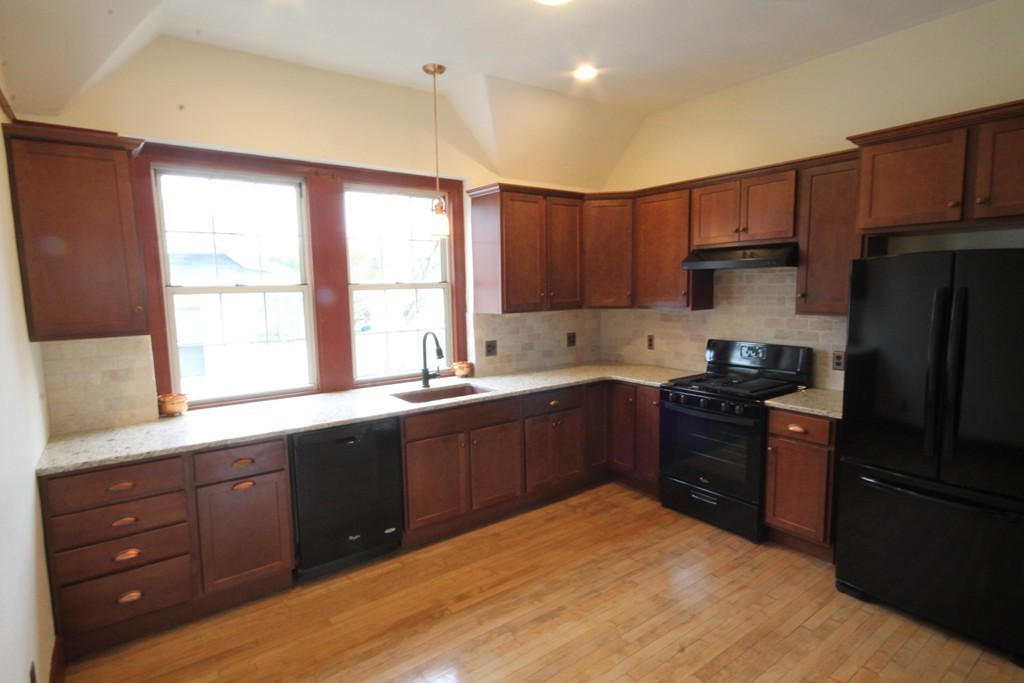 1043 SUMNER AVE #2, SPRINGFIELD, MA 01118