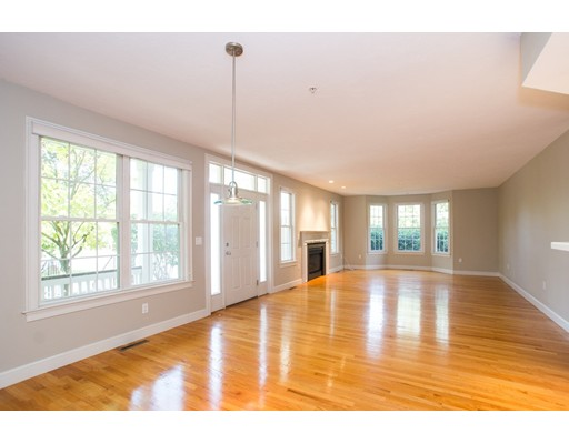 1 Tilden Commons Dr, Quincy, MA 02171