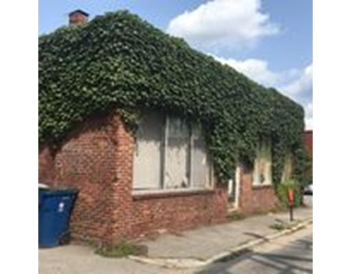 20 William Street, Lowell, MA 01852