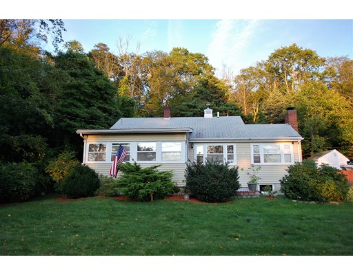 120 Hackett Avenue, Lakeville, MA