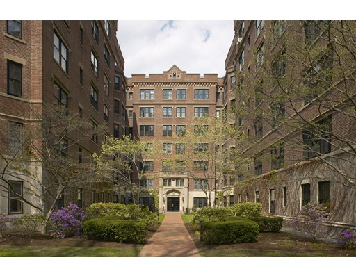 988 Memorial Drive, Cambridge, MA 02138