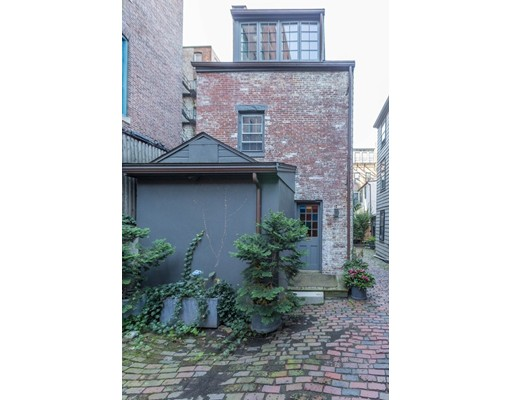 36 Joy Court, Unit 36 1/2, Boston, Ma 02114