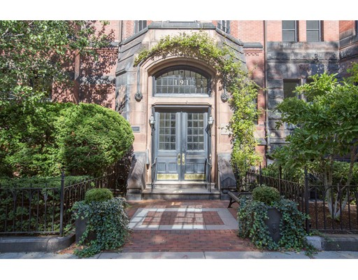 Condominium/Co-Op for sale in 191 Commonwealth Ave Back Bay, Boston, Suffolk