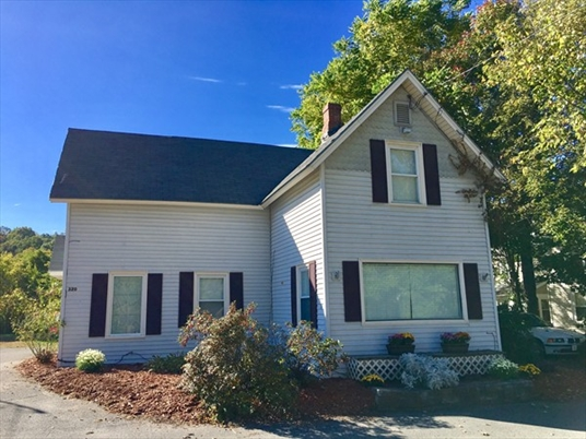 320 Deerfield St, Greenfield, MA: $134,500