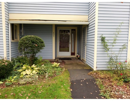 635 Nassau Drive, Springfield, MA 01129