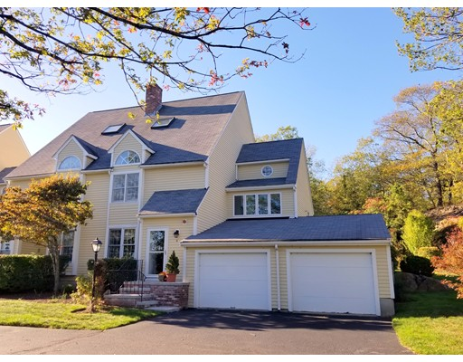8 Oak Knoll, North Attleboro, MA 02760