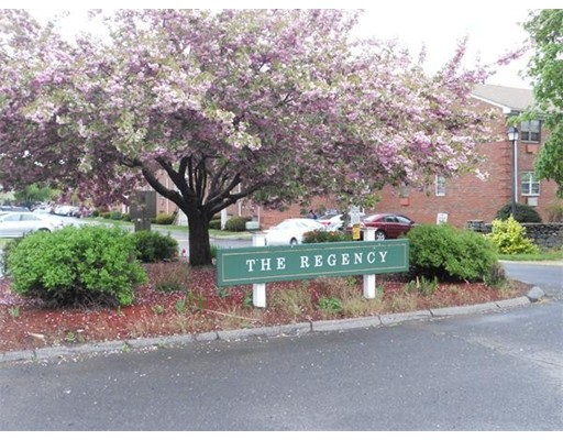 15 Regency Park Drive, Agawam, MA 01001