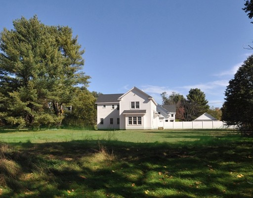 711 Lowell Road, Concord, MA 01742