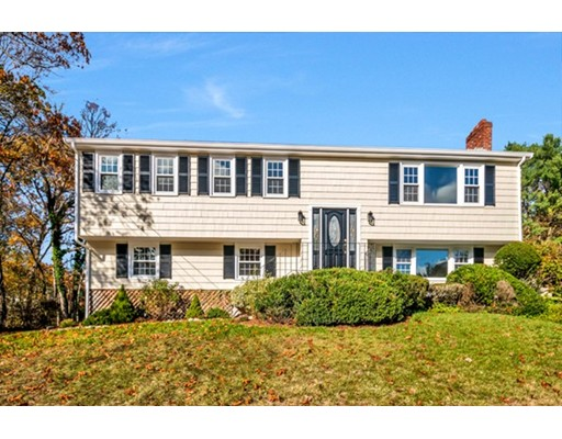 40 Hillcrest Road, Medfield, MA