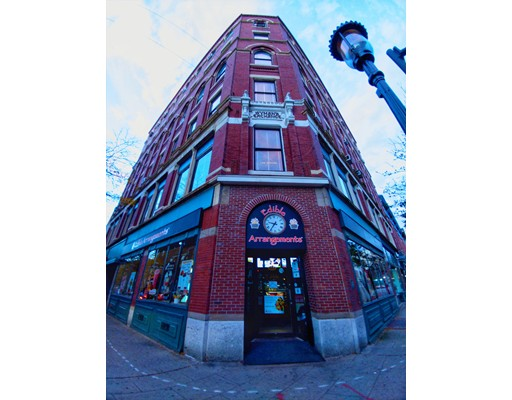 9 Central Street, Lowell, MA 01852