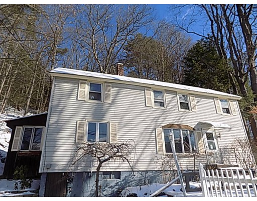 13 Basket Street, Huntington, MA