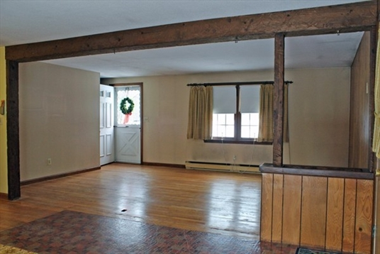81 Wildwood Ave, Greenfield, MA: $165,000