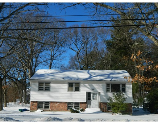 136 Bridle Road, Billerica, MA