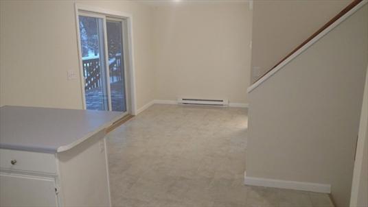 28 Revere Cir, Greenfield, MA: $229,000