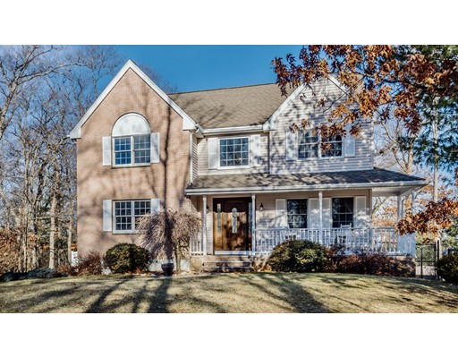 16 CARRIAGE WAY, North Reading, MA