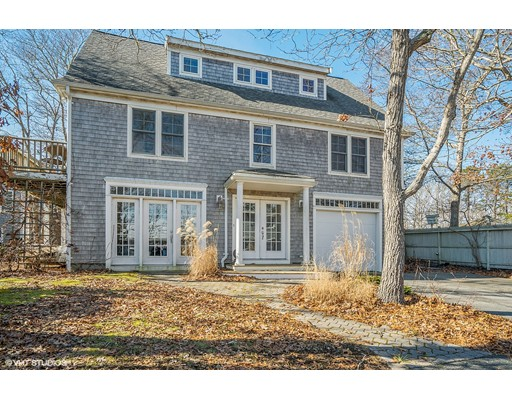 19 Great River Road, Mashpee, MA