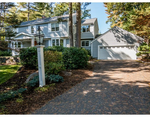 18 Woodcrest Road, Manchester, MA