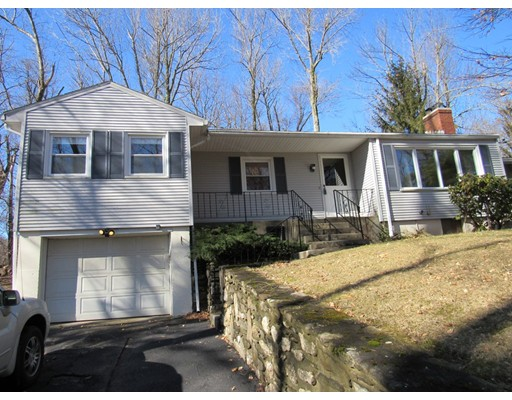 5 Lynde Brook Drive, Leicester, MA