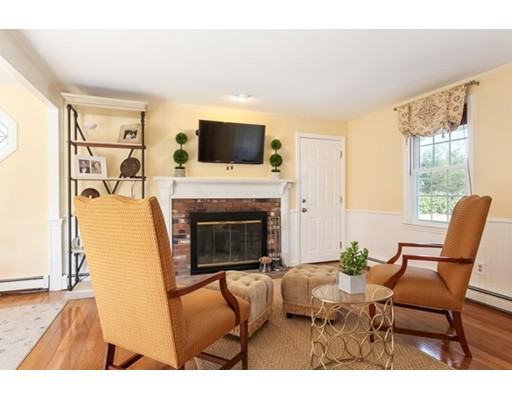 1 Boulder Brook Rd, Sandwich, MA