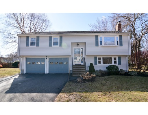 25 Countryside Lane, Reading, MA