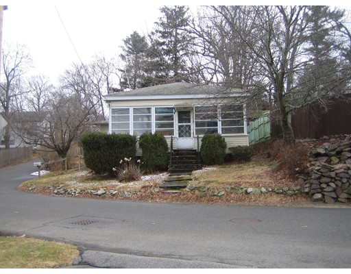 87 Great Woods Road, Saugus, MA