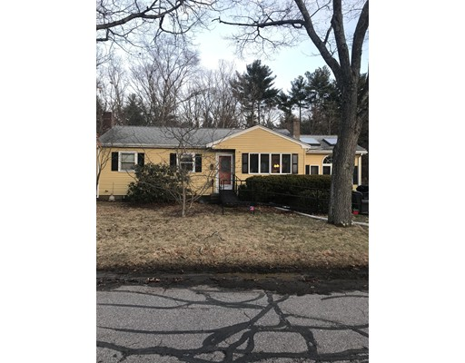 8 Highland Circle, Foxboro, MA