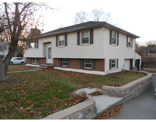 124 River Rd (WATERFRONT), Lowell, MA