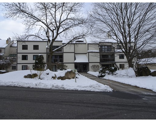 1100 Salem Street, Lynnfield, MA 01940