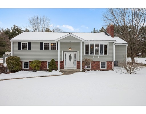 381 Whipple Road, Tewksbury, MA