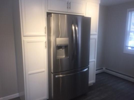 20 Hancock Ln, Greenfield, MA: $235,000