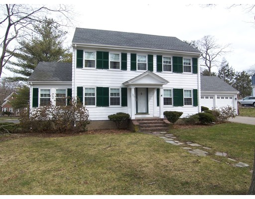 121 Hollingsworth Avenue, Braintree, MA