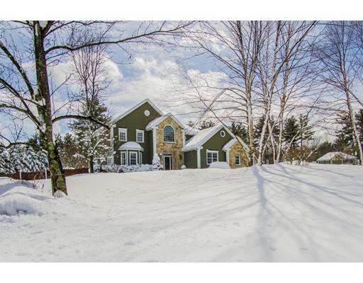 16 Somerset Drive, Andover, MA