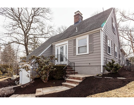 4 West Hill Circle, Reading, MA