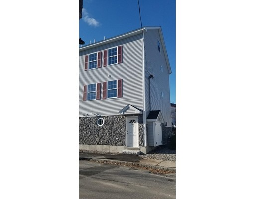 7 Butler Avenue, Lowell, MA 01852