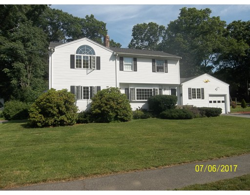 8 Huckleberry Road, Lynnfield, MA
