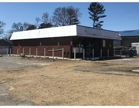 87 E Grove St, Middleboro, MA 02346