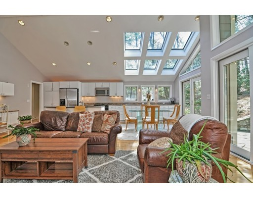 14 Johnson Road, Winchester, MA