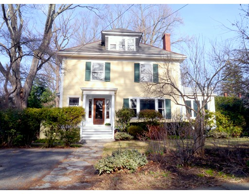 135 Lincoln Avenue, Amherst, MA