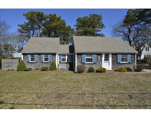 26 Lower County Road, Dennis, MA