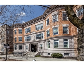 Property for sale at 1824 Beacon Street - Unit: 3, Brookline,  Massachusetts 02445