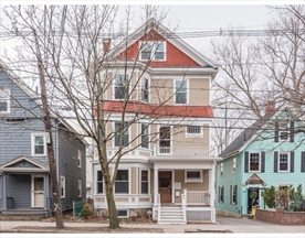 Property for sale at 639 Chestnut Hill Ave - Unit: 3, Brookline,  Massachusetts 02445