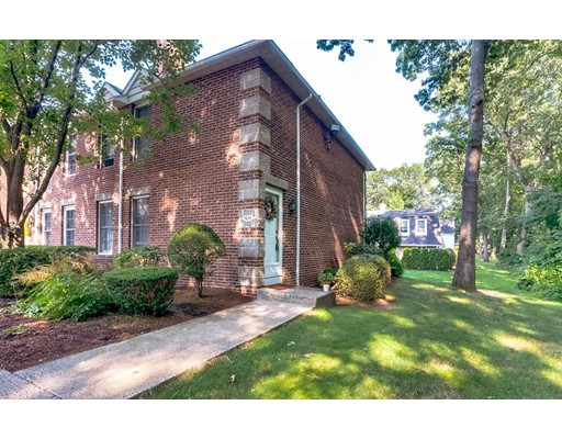 9 Mansion Woods Dr #H, Agawam, MA 01001