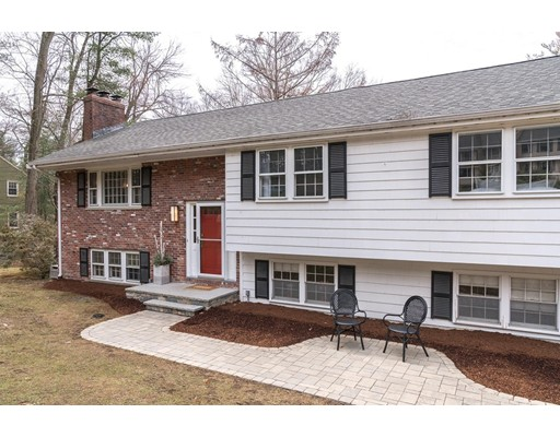 22 Old Stagecoach Road, Bedford, MA
