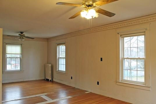 462 Bernardston Rd, Greenfield, MA: $226,900
