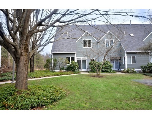4 Greenfield Lane, Concord, MA 01742
