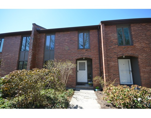 3 Bedford Court, Amherst, MA 01002